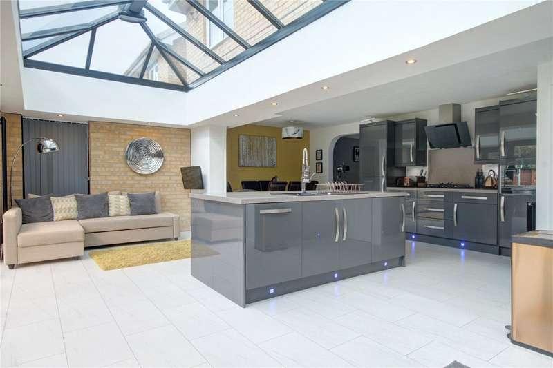 4 Bedrooms Detached House for sale in Warren Close, Darlington, DL1