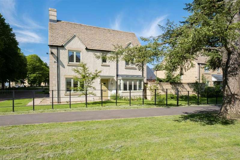 3 Bedrooms Detached House for sale in Trenchard Close, Upper Rissington, Cheltenham