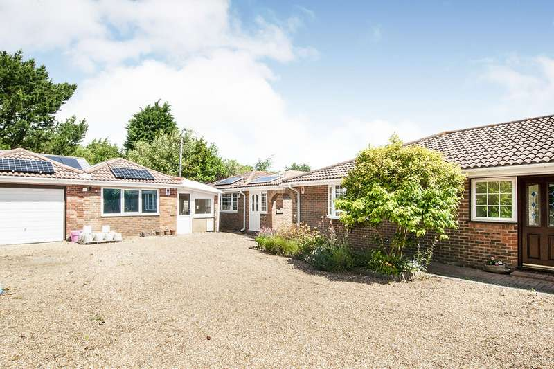 4 Bedrooms Detached Bungalow for sale in Martineau Lane, Hastings, East Sussex, TN35