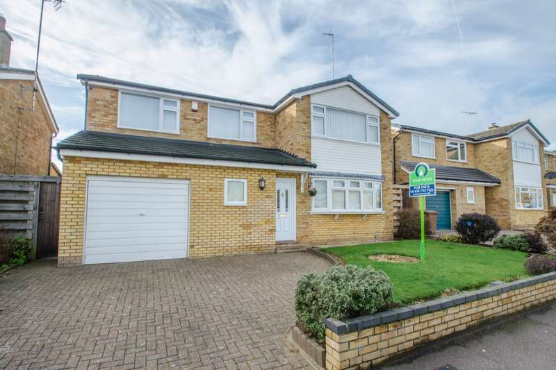 4 Bedrooms Detached House for sale in Byron Close, Stevenage, Hertfordshire, SG2