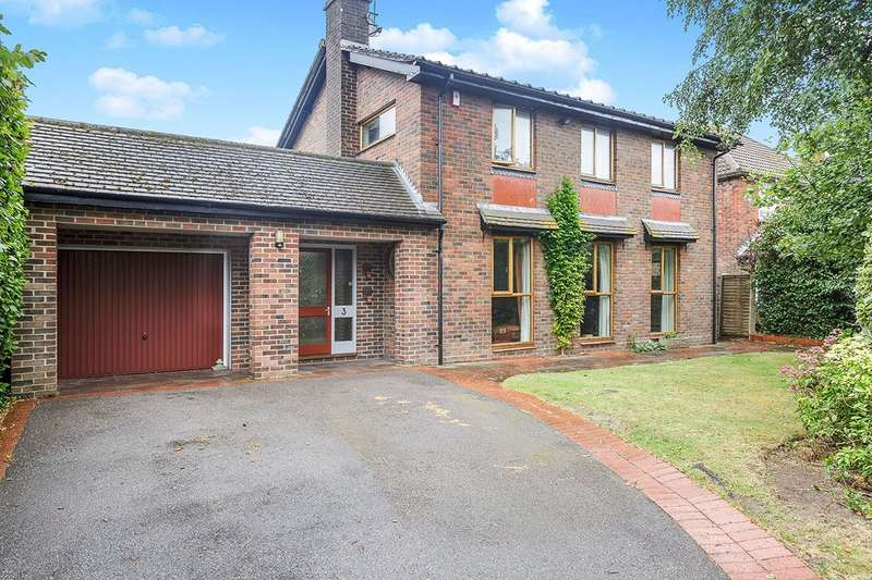 4 Bedrooms Detached House for sale in Woodbury Avenue, Havant, Hampshire, PO9
