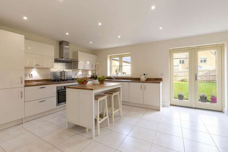4 Bedrooms Detached House for sale in Upper Rissington, Gloucestershire