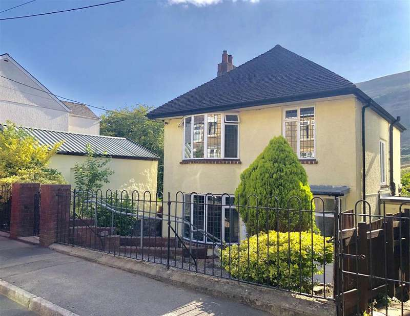 3 Bedrooms Detached House for sale in Alexandra Street, Blaina, Abertillery