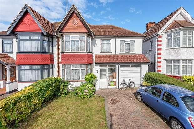 4 Bedrooms Semi Detached House for sale in Queenscourt, WEMBLEY