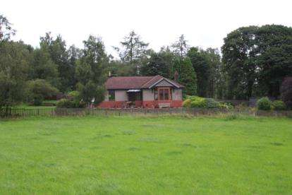 3 Bedrooms Bungalow for sale in Larbert, Stirlingshire
