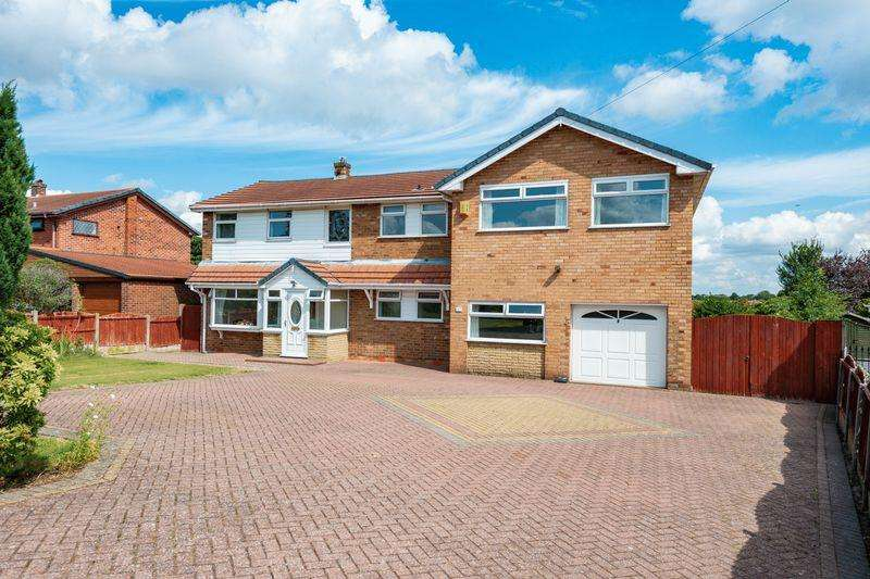 5 Bedrooms Detached House for sale in Clifton Road Higher Runcorn