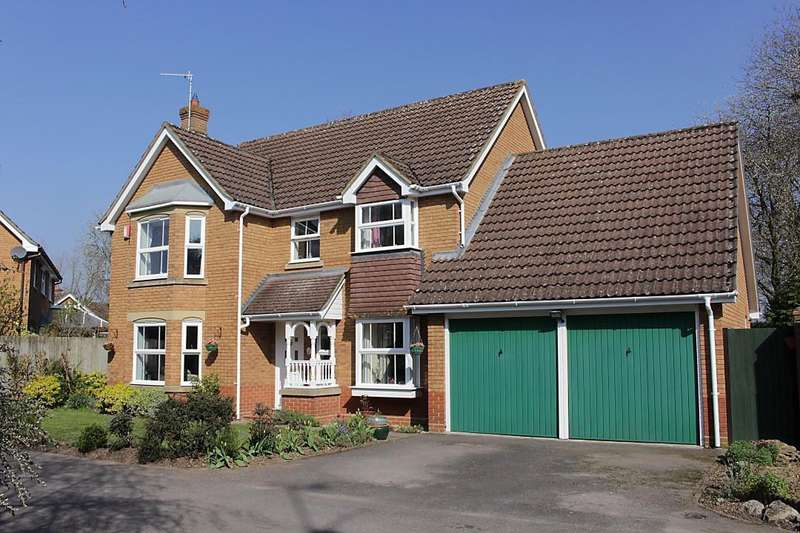 4 Bedrooms Detached House for sale in Sherwood Place, Purley On Thames, Reading, RG8