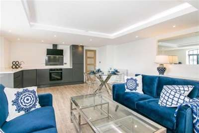2 Bedrooms Flat for rent in Wapping Quay, L3