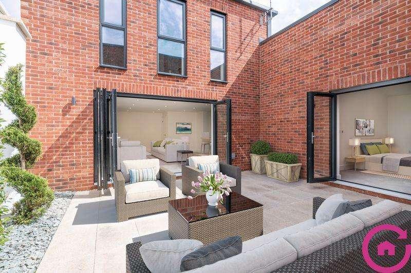 2 Bedrooms Terraced House for sale in Windsor Street, Cheltenham