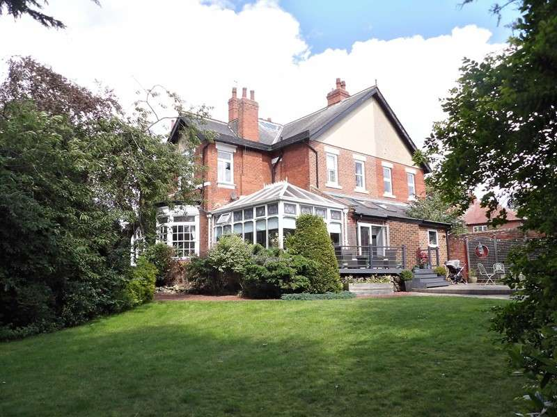 4 Bedrooms Property for sale in North Avenue, Harton, South Shields, Tyne and Wear, NE34 6AX