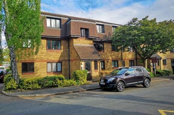 1 Bedroom Property for sale in Southwold Road, Nth Wat, Watford, WD24