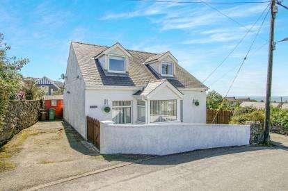 3 Bedrooms Detached House for sale in Rhosgadfan, Caernarfon, LL54