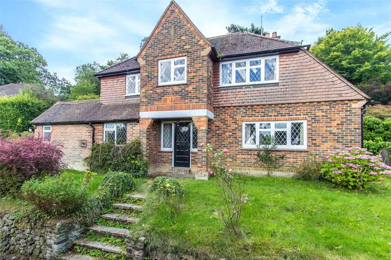 4 Bedrooms Detached House for sale in Westerham Road, Oxted, Surrey, RH8