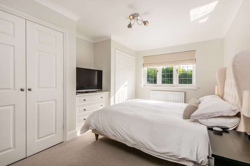 4 Bedrooms Semi Detached House for sale in Tudor Road, Beckenham, BR3