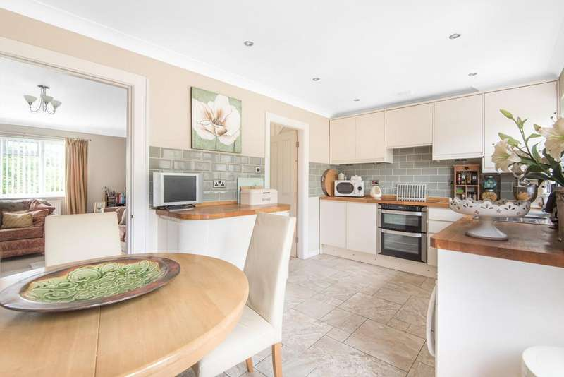 3 Bedrooms Detached House for sale in Chalford Hill, Stroud