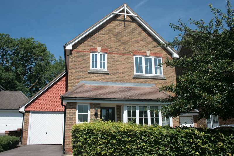 3 Bedrooms Link Detached House for sale in Elmwood Close, Woodley, Reading, RG5
