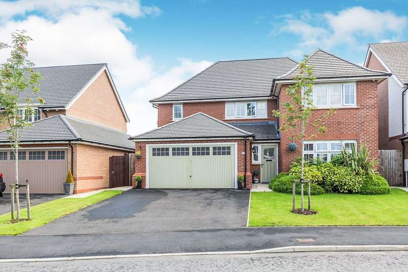 4 Bedrooms Detached House for sale in Berry Avenue, Whittle-le-Woods, Chorley, Lancashire, PR6