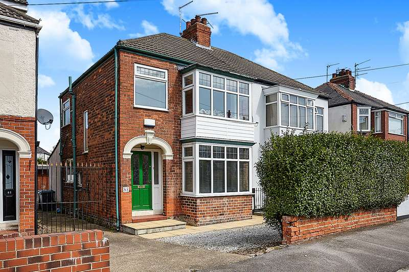 3 Bedrooms Semi Detached House for sale in Silverdale Road, Hull, HU6