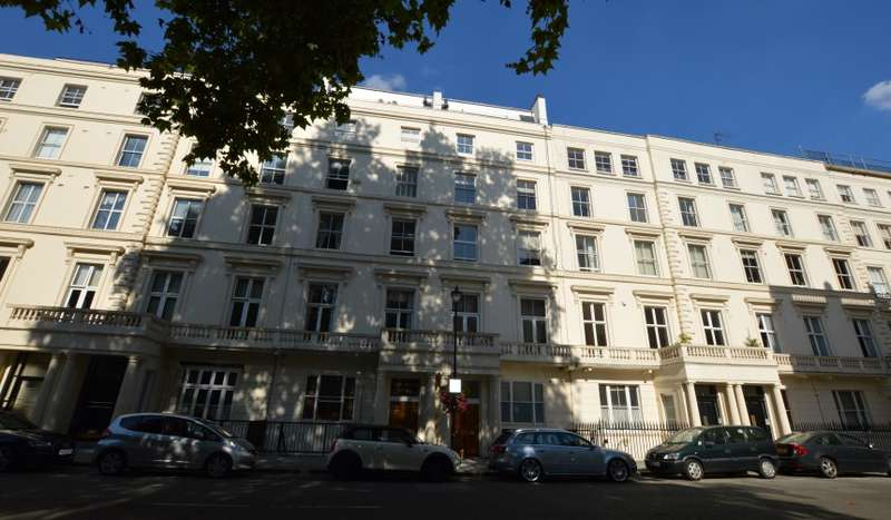 1 Bedroom Ground Flat for sale in Castleton Court, Cleveland Gardens, Bayswater, London, W2 6HA