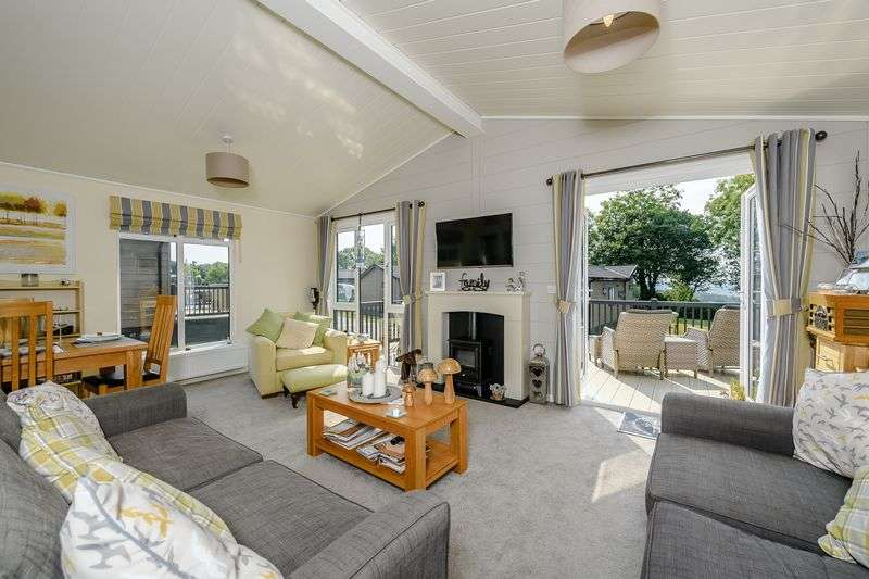 2 Bedrooms Property for sale in Hawkchurch Resort and Spa, Axminster