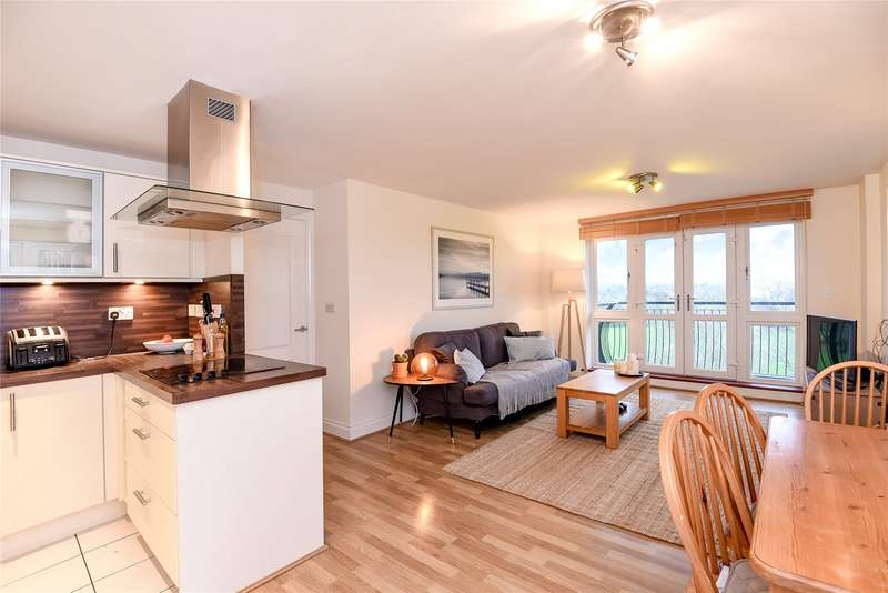 2 Bedrooms Apartment Flat for rent in Luscinia View, Napier Road, Reading, Berkshire, RG1