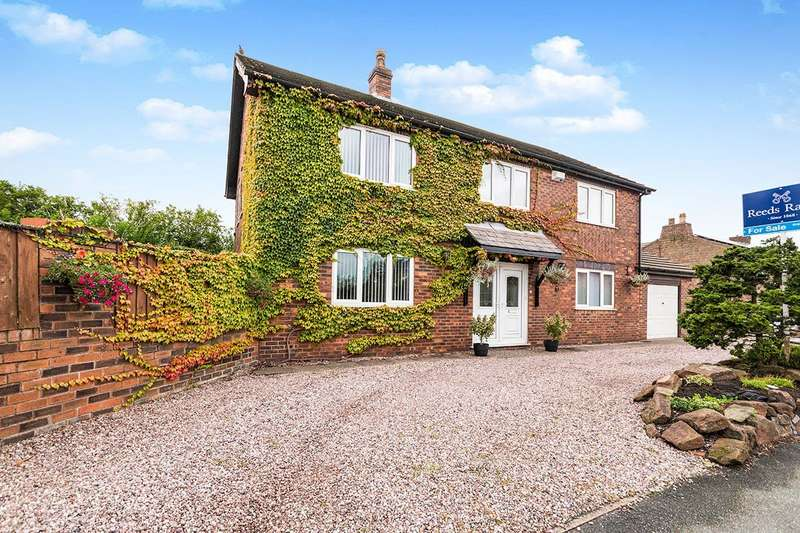 4 Bedrooms Detached House for sale in Cronton Road, Widnes, Cheshire, WA8