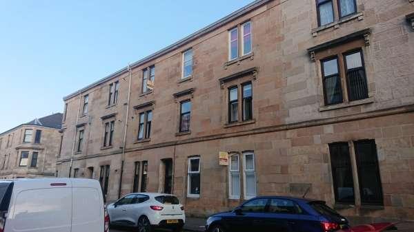 2 Bedrooms Flat for sale in George Street, Barrhead