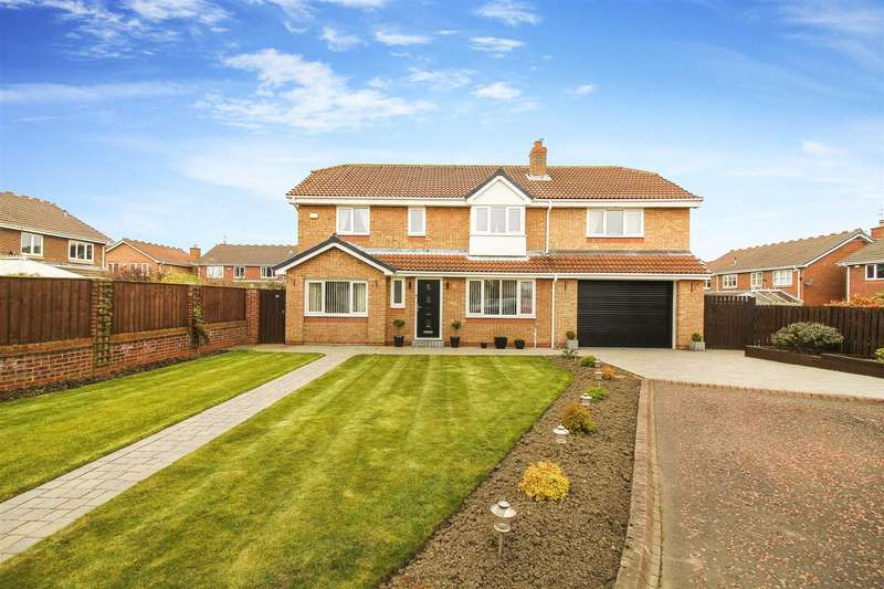 5 Bedrooms Detached House for sale in Muirfield, Whitley Bay