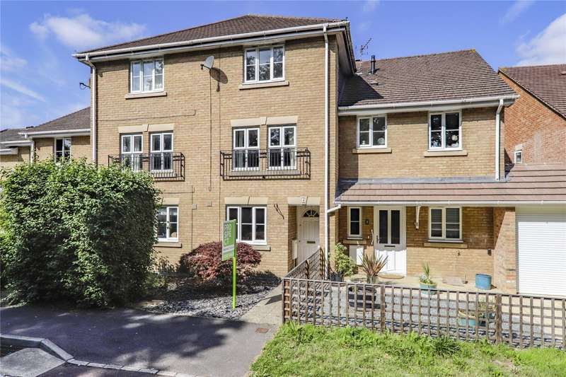 3 Bedrooms Terraced House for sale in Hoffman Close, Warfield, Bracknell, Berkshire, RG42