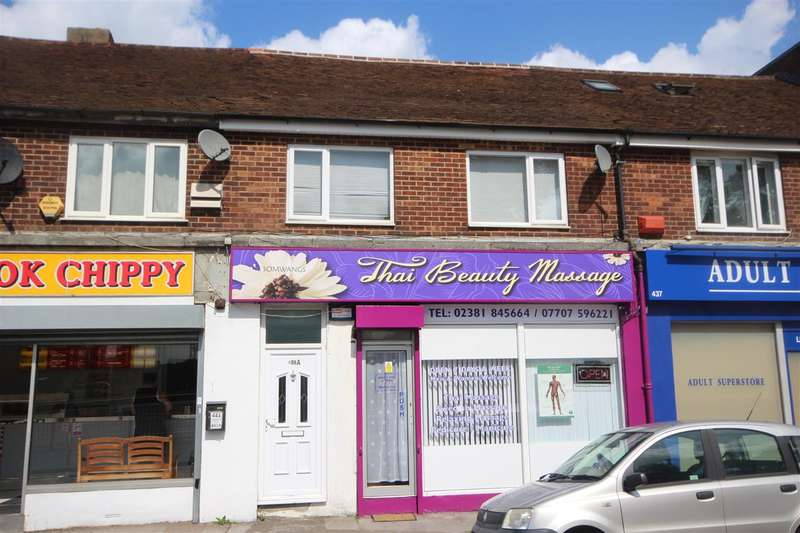 2 Bedrooms Maisonette Flat for sale in Millbrook Road West, Southampton