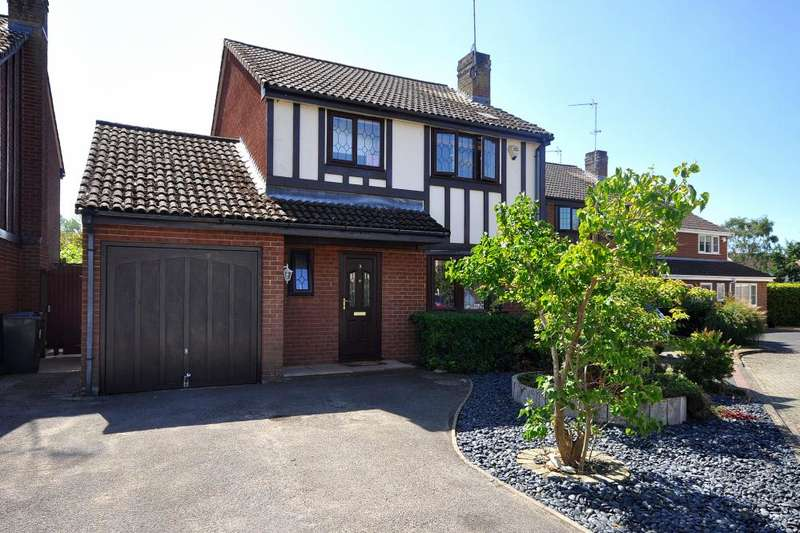 4 Bedrooms Detached House for sale in Hightown, Ringwood, BH24 3RB