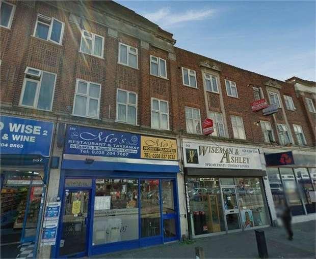 4 Bedrooms Maisonette Flat for sale in Kingsbury Road, London