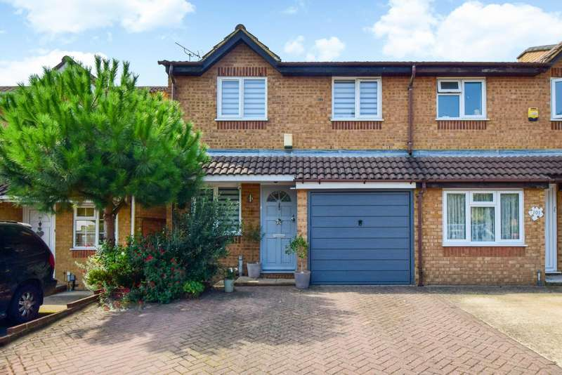 3 Bedrooms End Of Terrace House for sale in Lowestoft Drive, Slough, SL1