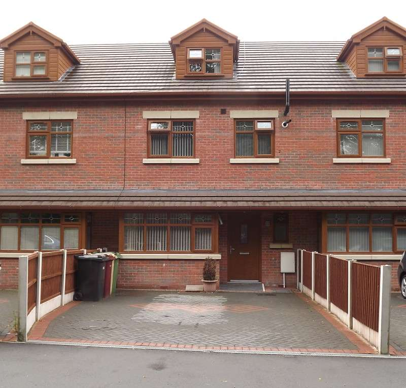 5 Bedrooms Terraced House for sale in Seymour Road, Bolton, Greater Manchester. BL1 8PG