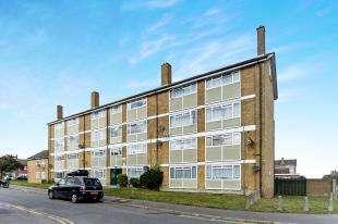2 Bedrooms Flat for sale in Erica Gardens, Shirley, Croydon, Surrey