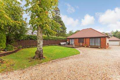 4 Bedrooms Bungalow for sale in Sinclair Street, Helensburgh