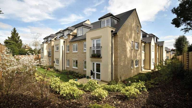 1 Bedroom Flat for sale in Beecham Lodge, Somerford Road, Cirencester GL7