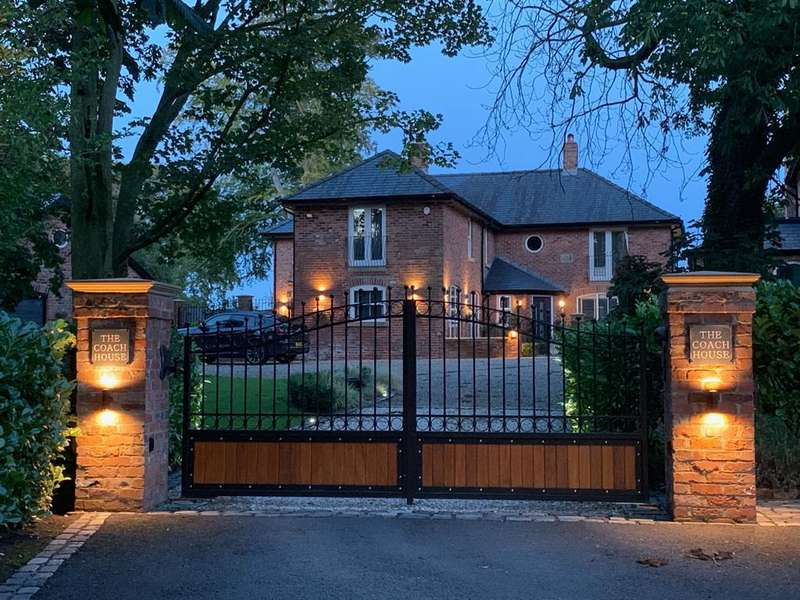 5 Bedrooms Detached House for sale in The Coach House, Church Road, Treales, Preston