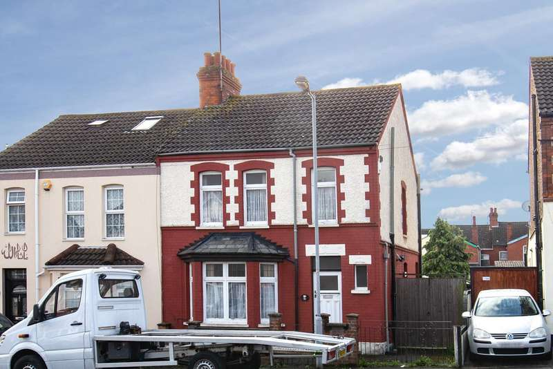 3 Bedrooms Semi Detached House for sale in Mansfield Road, Luton