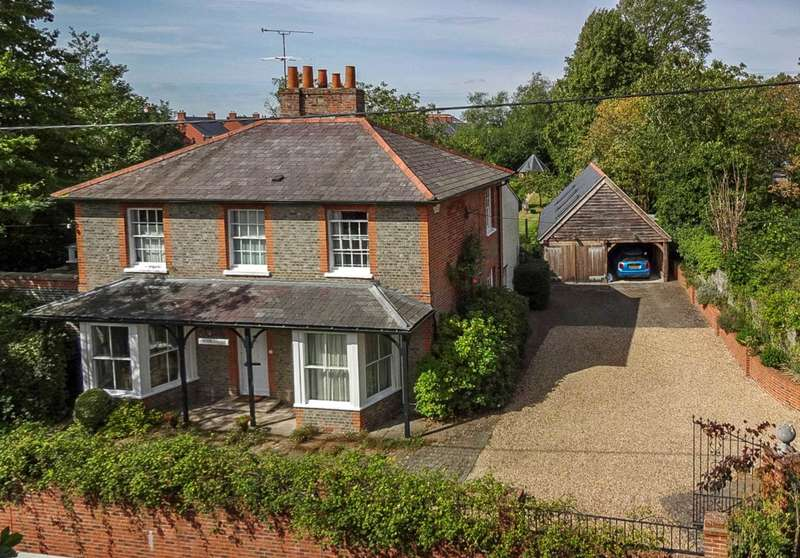 5 Bedrooms Detached House for sale in Reading Road, Wallingford