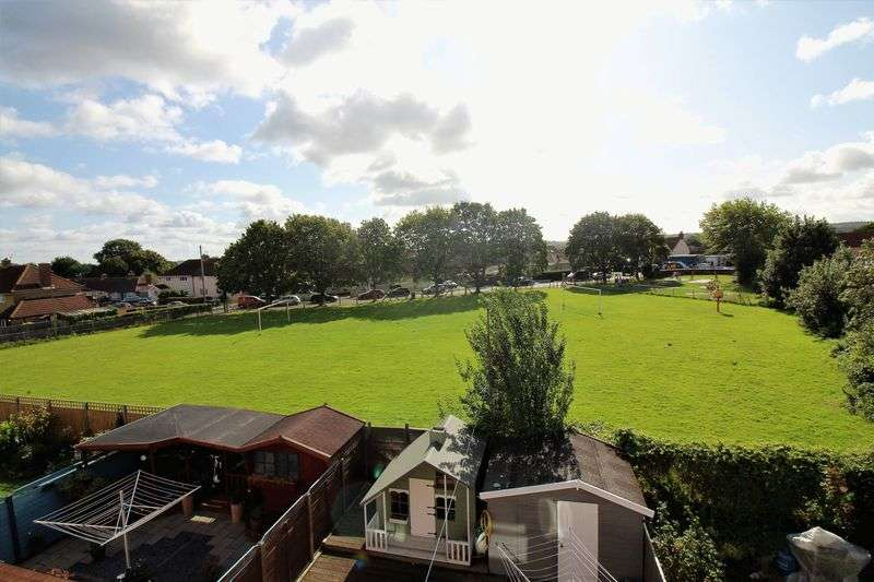 4 Bedrooms Property for sale in Easton In Gordano, Bristol