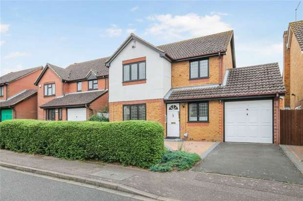 3 Bedrooms Detached House for sale in Brett Drive, Bromham, Bedford