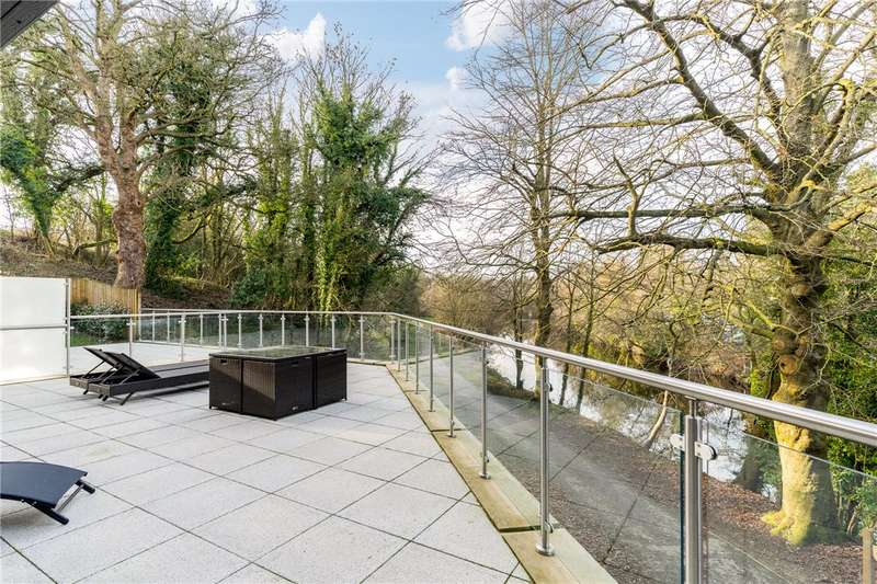 2 Bedrooms Apartment Flat for sale in High Bridge House, Harrogate Road, Knaresborough, North Yorkshire