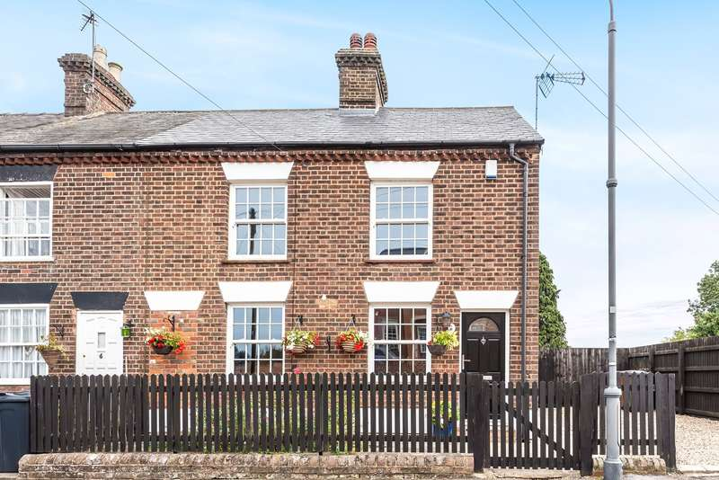 3 Bedrooms Cottage House for sale in West Street, Lilley, Luton, LU2