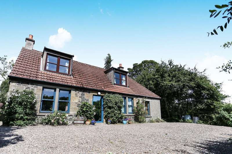 4 Bedrooms Detached House for sale in Fincraigs, Cupar, Fife, KY15