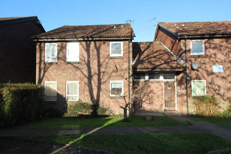 Apartment Flat for sale in Farringdon Drive, Radcliffe, Manchester, M26