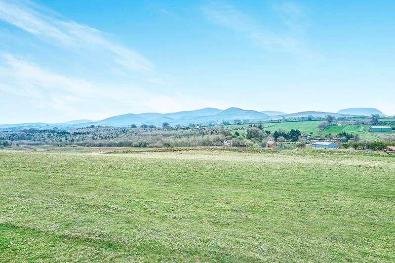 4 Bedrooms Detached Bungalow for sale in Pasture Road, Rowrah, Frizington, Cumbria, CA26