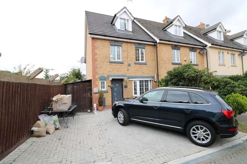 4 Bedrooms Property for sale in Genas Close, Ilford, IG6