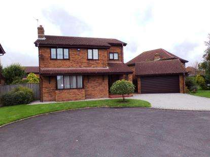 4 Bedrooms Detached House for sale in Balfour Close, Thornton-Cleveleys, Lancashire, FY5