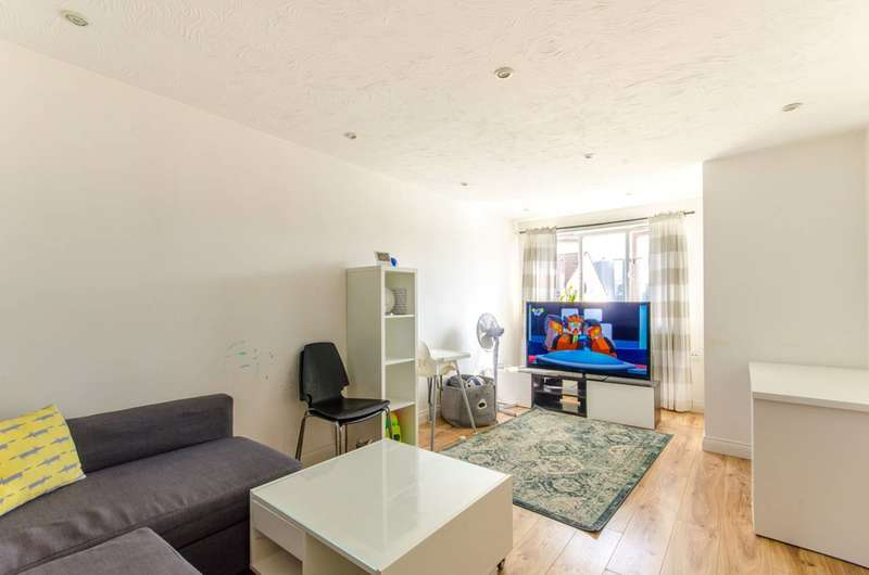 1 Bedroom Flat for sale in Cherry Blossom Close, N13, Palmers Green, N13
